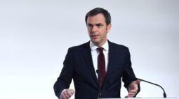 Crise da Covid na França pode melhorar em 4 a 6 semanas, diz ministro