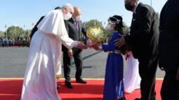 Papa Francisco inicia viagem arriscada e histórica ao Iraque