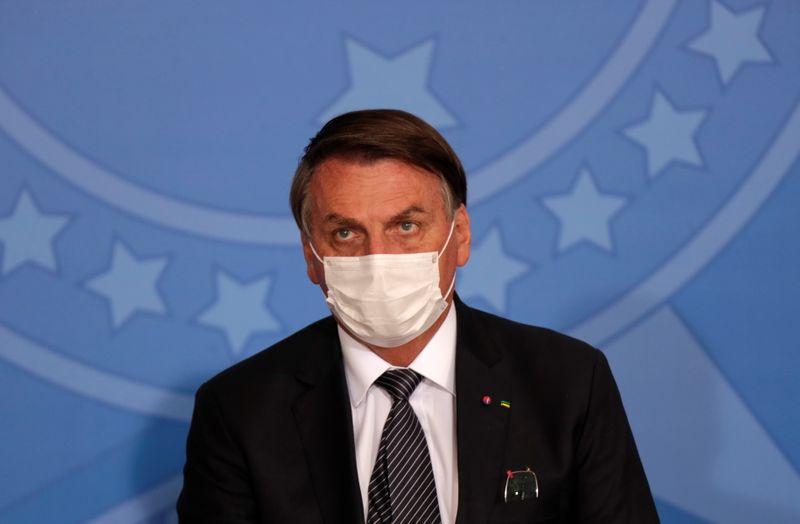Bolsonaro diz que caos e pânico são promovidos por quem quer voltar ao poder