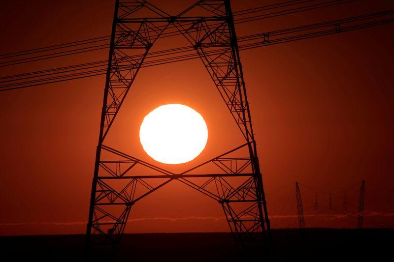 Com crise hídrica, conta de luz terá bandeira vermelha nível 2 em junho, a mais cara