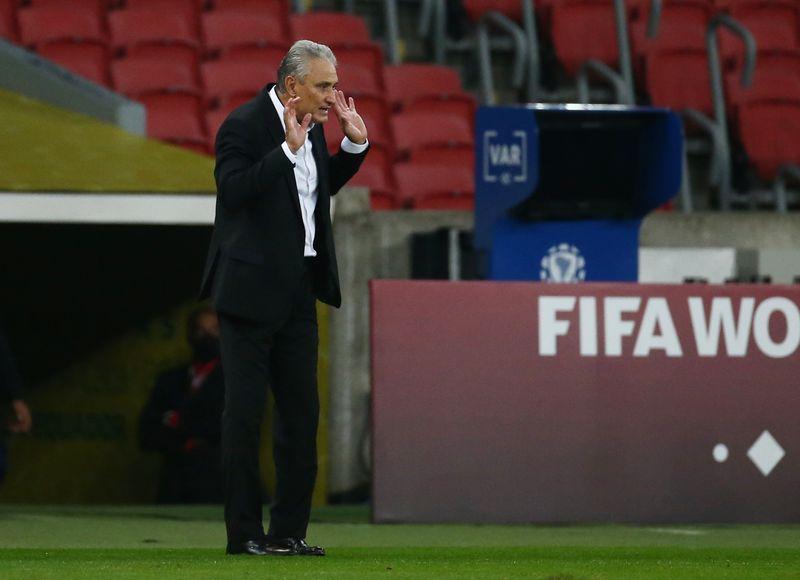 Tite diz que técnico da seleção tem que estar alinhado com futebol