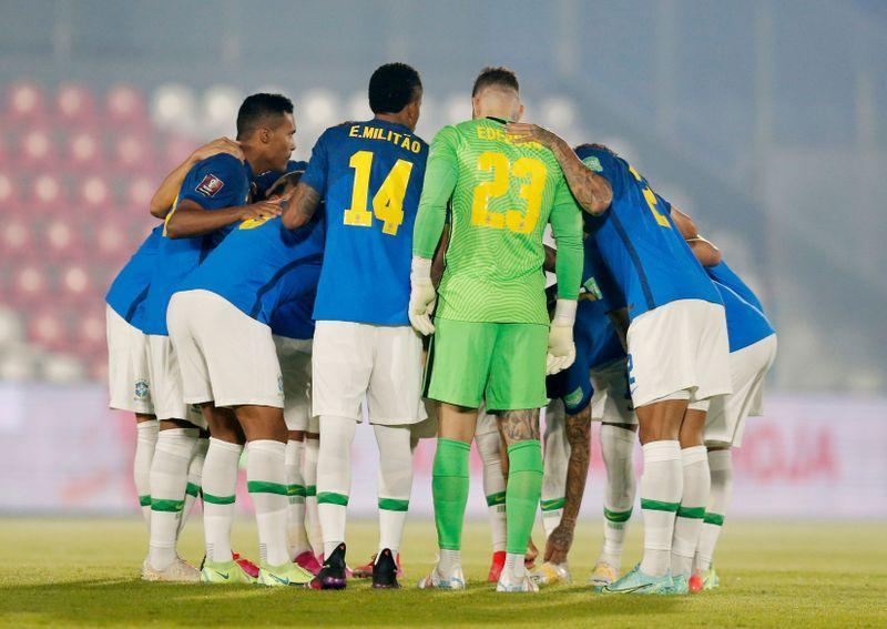 Jogadores da seleção se dizem contra Copa América, mas confirmam participação no torneio