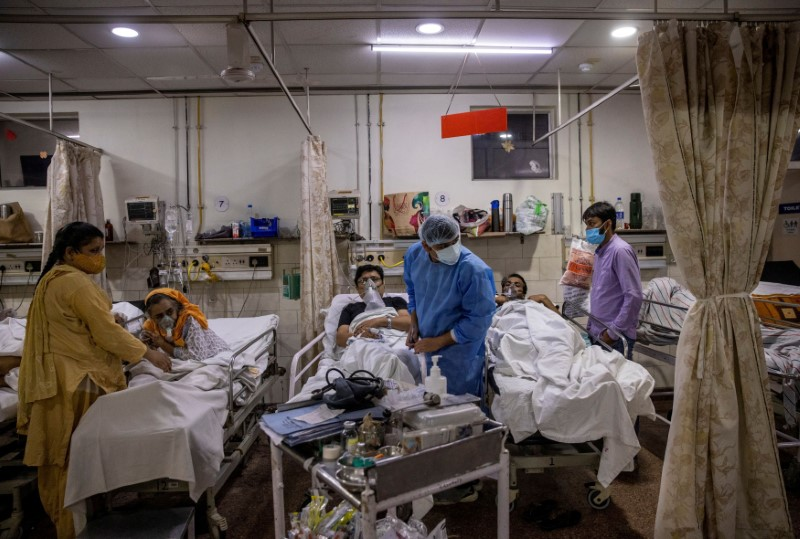 Especialista diz que Índia reagiu tarde e deixou variante mortal do coronavírus se disseminar