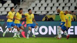 Brasil vira contra Colômbia com gol no fim e segue 100% na Copa América