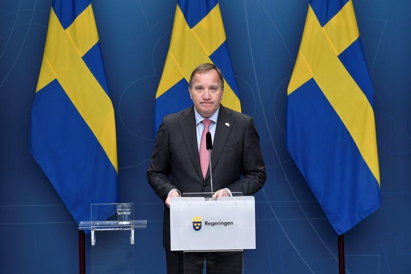 Premiê sueco renuncia após moção de desconfiança