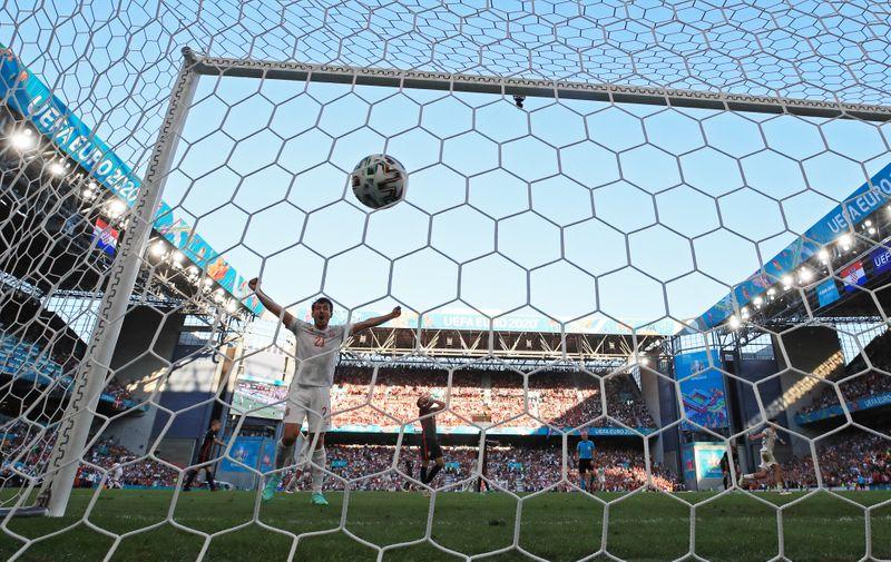 Espanha vence Croácia na prorrogação em jogo de 8 gols na Eurocopa