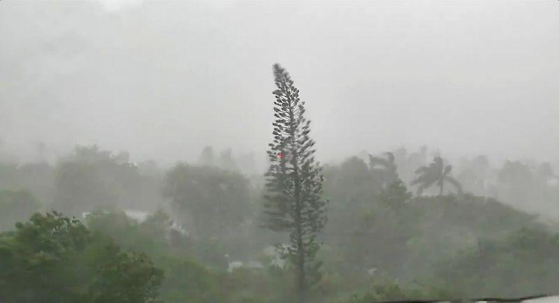 Elsa regride para tempestade tropical e ruma para a costa do Golfo nos EUA