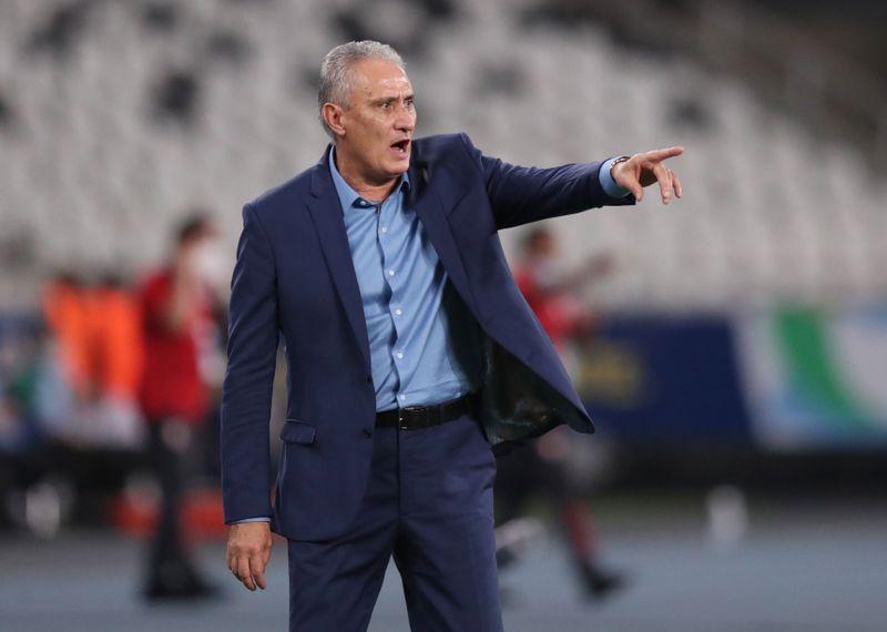 Jejum de títulos da Argentina não é referência para final da Copa América, diz Tite