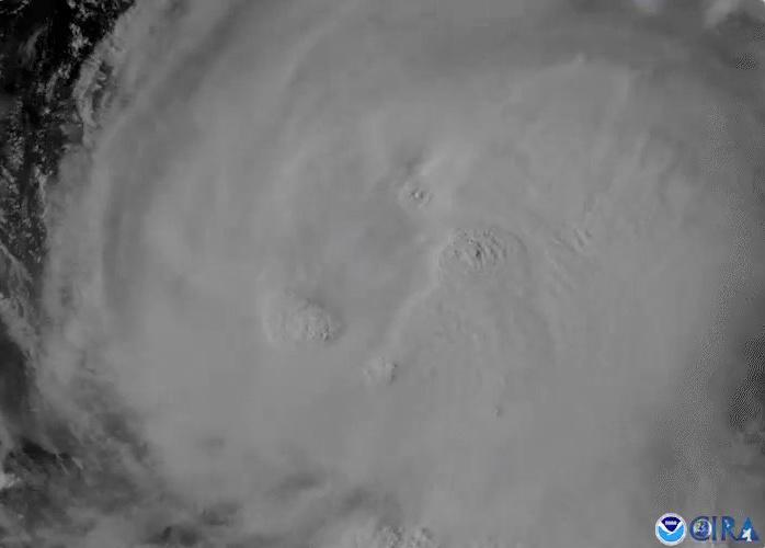 Furacão Laura avança rumo a litoral de Texas e Louisiana; pode alcançar categoria 4