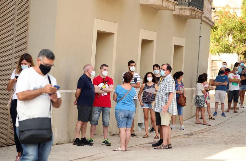 Espanha enfrenta ressurgimento da Covid-19 e registra mais 3.594 novos casos