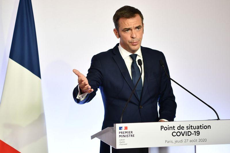 França espera vacinas contra Covid-19 entre final deste ano e início do próximo