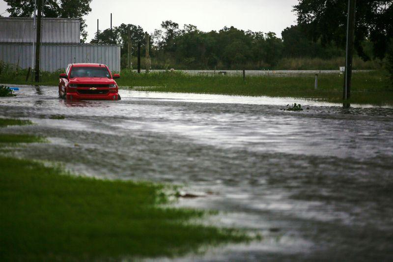 Vídeo: furacão Laura deixa rastro de destruição