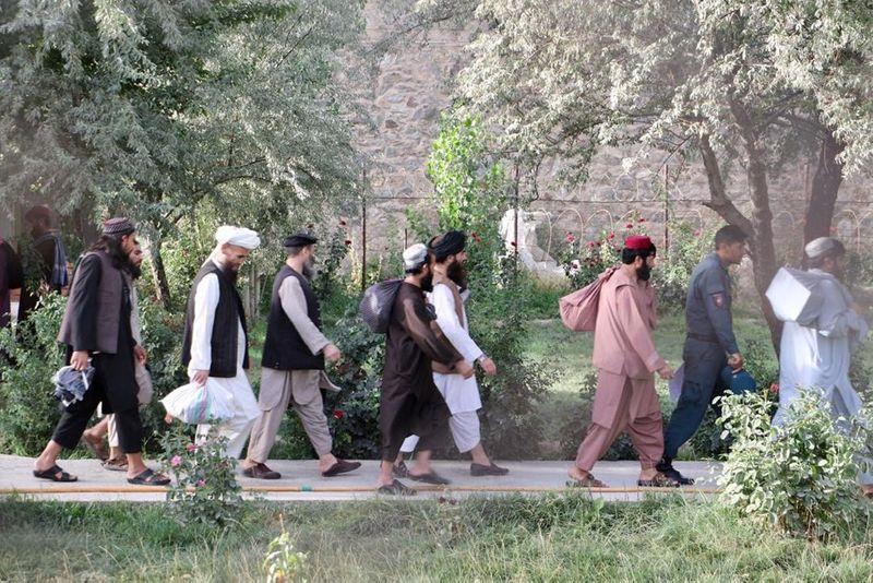 Conversas de paz do Afeganistão com o Taliban começam em setembro, diz negociador