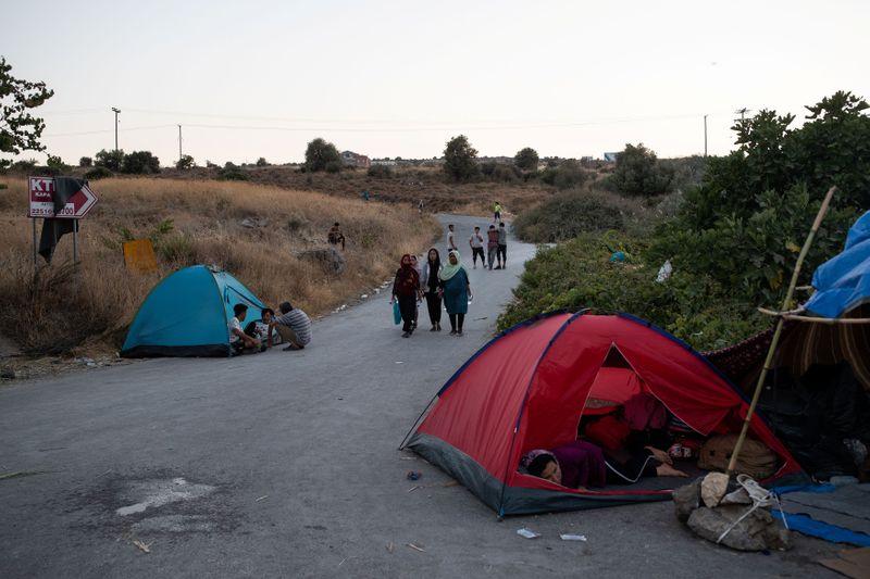 Alemanha pode acolher milhares de refugiados de acampamento grego, diz jornal