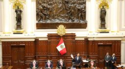 Presidente peruano rejeita acusações em processo de impeachment no Congresso
