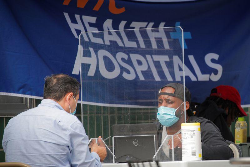 Países mais pobres terão 120 milhões de exames de coronavírus a U, diz OMS