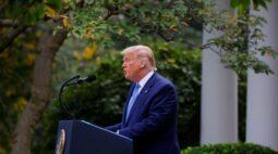 Pressionado por pandemia, Trump diz que Estados vão receber 150 milhões de testes