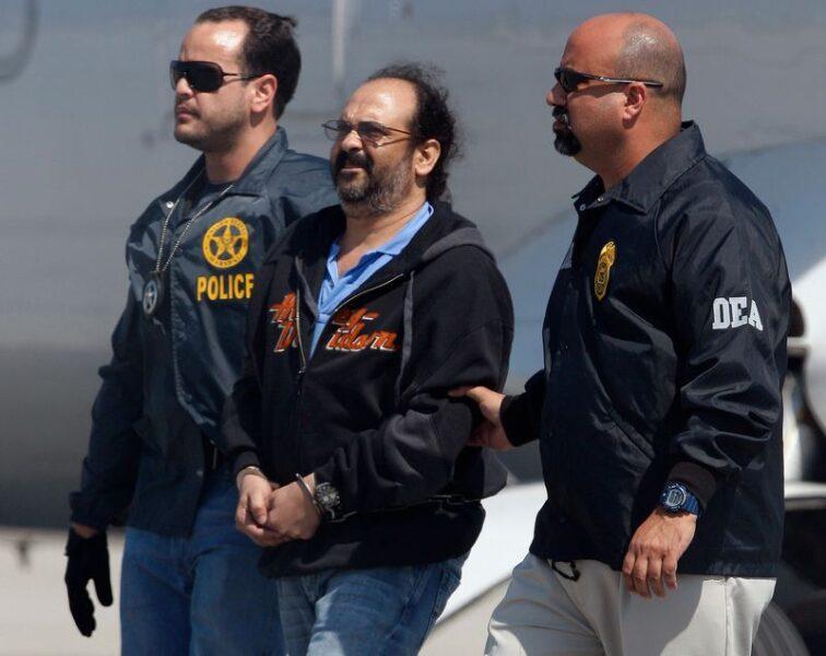Ex-chefe paramilitar Jorge 40 volta à Colômbia e enfrentará investigações