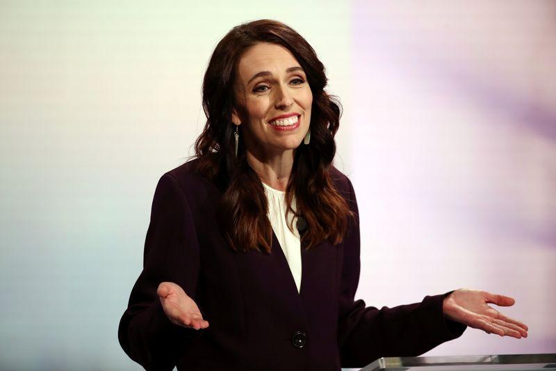 """Premiê da Nova Zelândia admite ter usado cannabis """"há muito tempo"""""""
