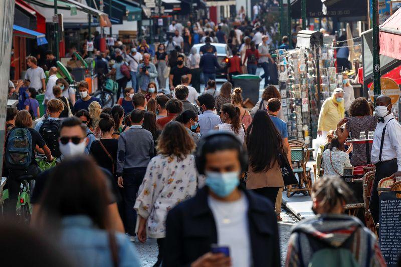 Infecções de coronavírus da França batem recorde ao passar de 20 mil por dia