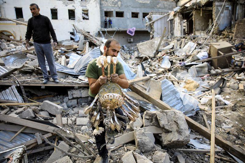 Tensões aumentam em Nagorno-Karabakh, e Azerbaijão alerta para ataques a dutos