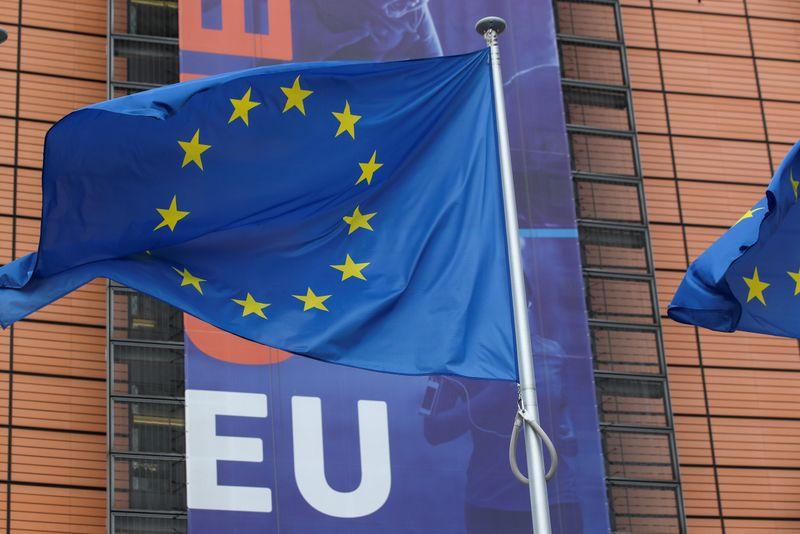 UE concorda em estender negociações comerciais com Reino Unido, mas acelera preparações para não acordo