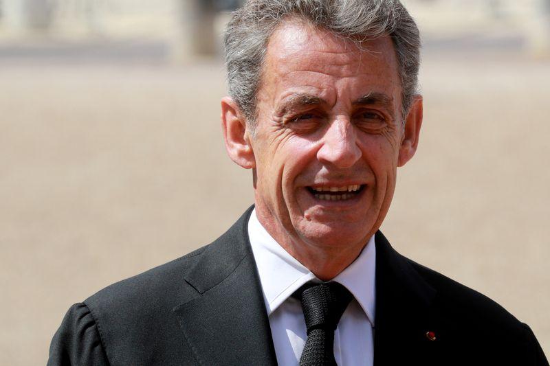 Ex-presidente francês Sarkozy enfrenta novas acusações na Justiça por financiamento eleitoral