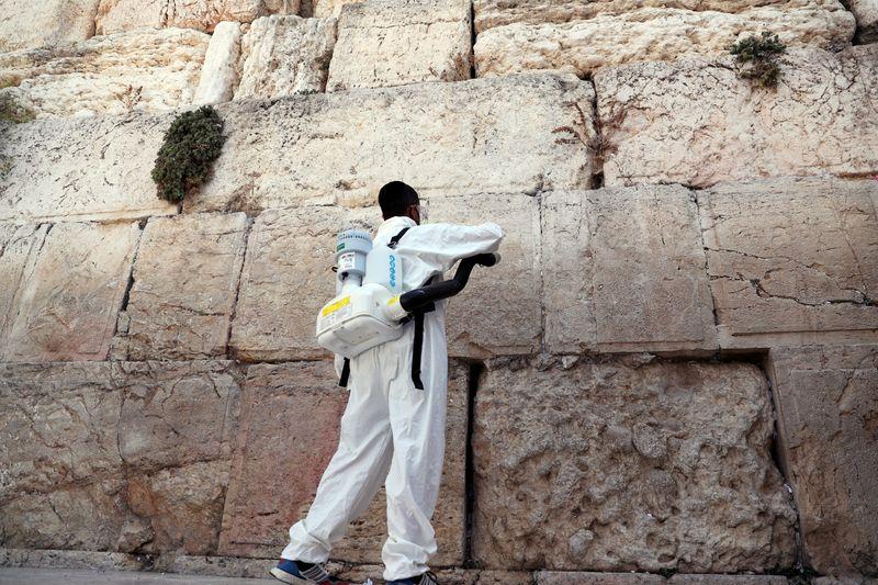 Israel começará a retirar restrições do coronavírus ante redução de infecções