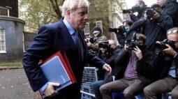 Não haverá mais negociações comerciais até UE mudar de posição, diz Johnson