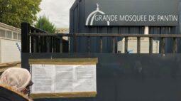 França fecha mesquita de Paris em operação repressiva após decapitação de professor