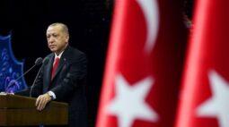 """Erdogan pede que turcos boicotem produtos franceses contra agenda """"anti-Islã"""""""