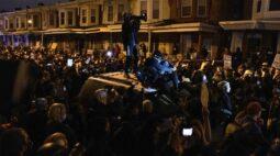Filadélfia impõe toque de recolher para conter violênciaapós polícia matar homem negro