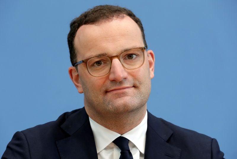 UE vai aguardar dados de estágio avançado antes de aprovar vacina para Covid-19, diz ministro