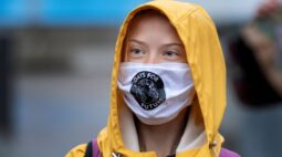 Greta Thunberg adota greve climática virtual ao ver Covid-19 crescer na Suécia