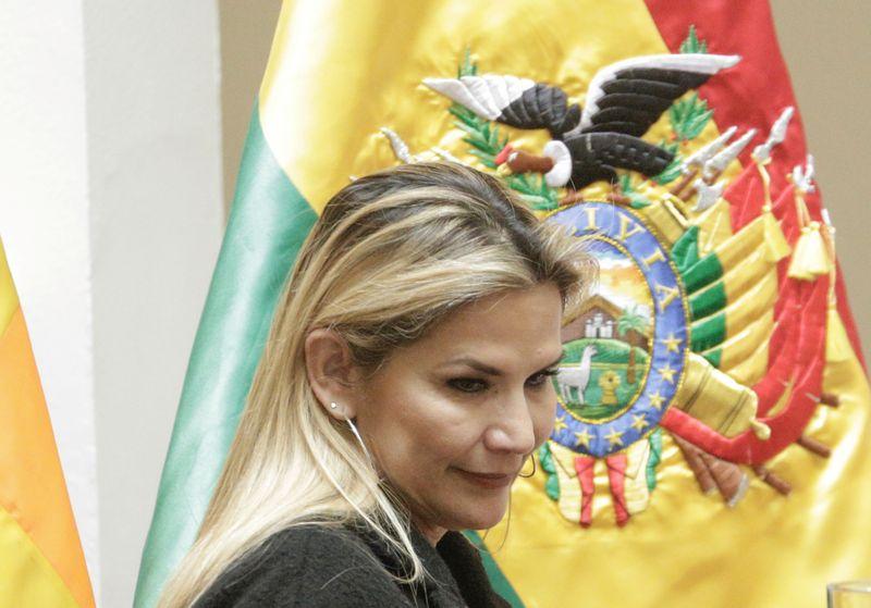 Congresso da Bolívia aprova recomendação de processo contra presidente Jeanine Ánez