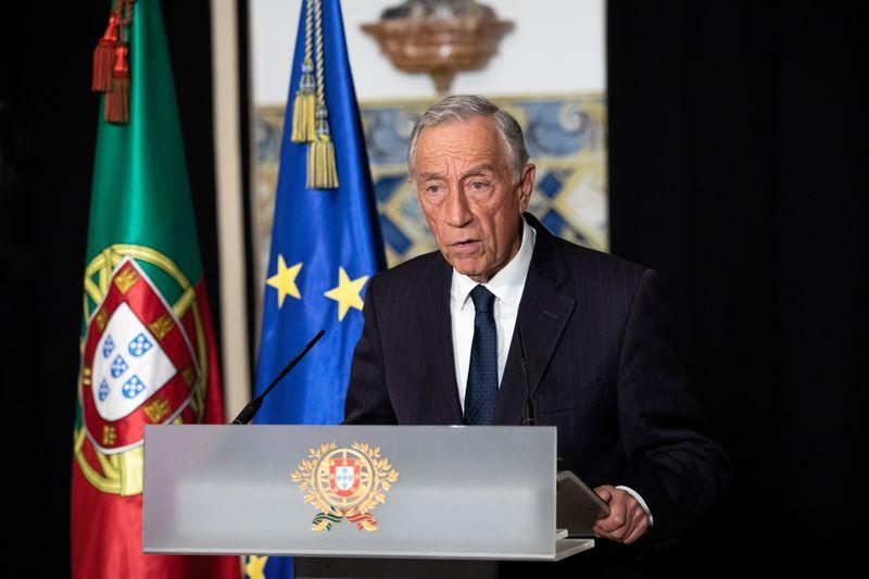 Presidente de Portugal pede que Parlamento prorrogue emergência contra Covid-19