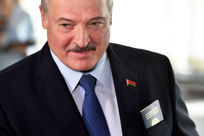 Líder de Belarus diz que sairá quando uma nova Constituição for adotada