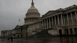 Parlamentares dos EUA e líder da maioria no Senado sugerem novos projetos de alívio ao coronavírus