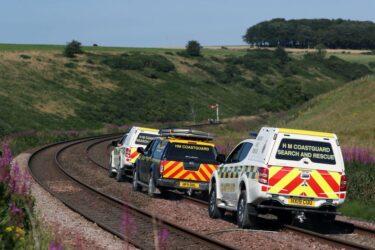 Três pessoas podem ter morrido em descarrilamento de trem na Escócia