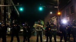 Polícia de Portland declara rebelião durante protestos contra veredicto do caso Breonna Taylor