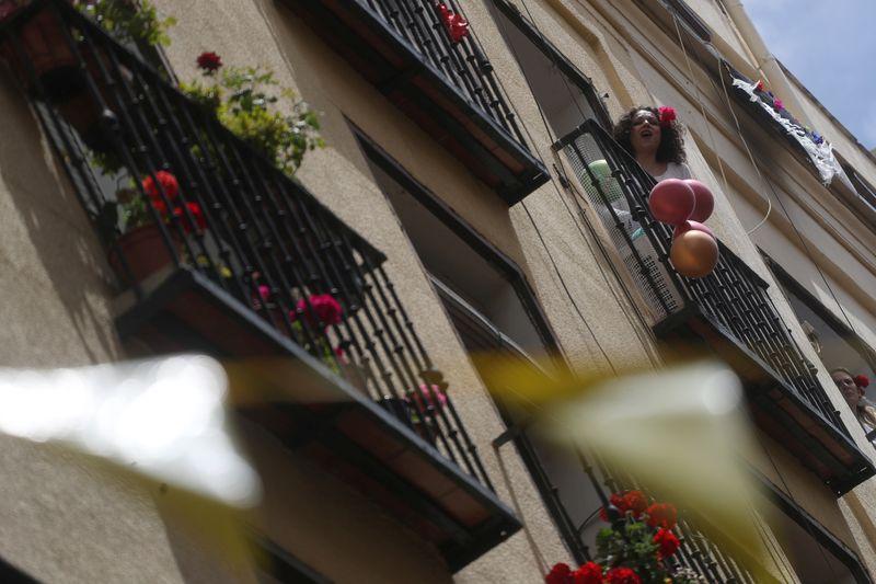 Governo espanhol quer isolamento parcial de Madri, que discorda