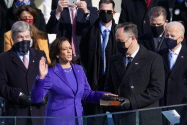 Rompendo barreiras, Kamala Harris tome posse como nova vice-presidente dos EUA