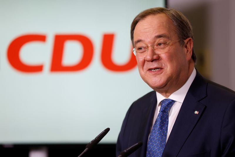Partido de Merkel confirma Laschet como novo líder após votação por correio