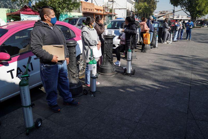 México pode atrasar 2ª dose de vacina contra Covid-19 e permite compra por empresas