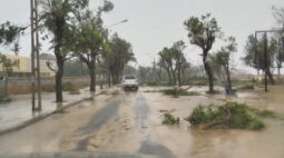 Ciclone atinge cidade portuária de Moçambique e provoca danos materiais e inundações