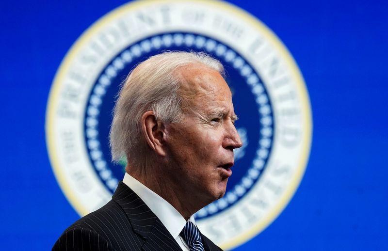 Biden reabrirá mercado online de planos de saúde e amenizará regras do Medicaid