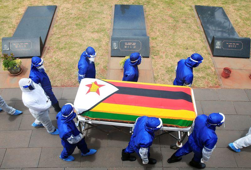 Elite do Zimbábue se alarma ao ver Covid-19 encher hospitais e matar ricos e pobres