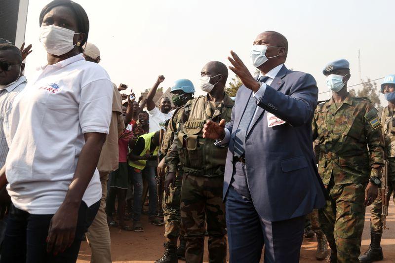 """Mais de 200 mil fogem de conflito """"apocalíptico"""" na República Centro-Africana"""