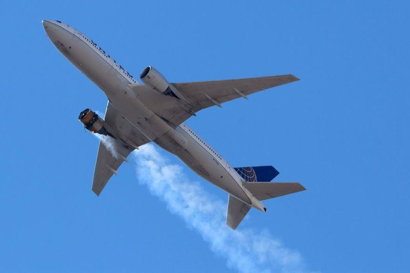 Autoridades investigam falhas em turbinas e voos de Boeings 777 mais antigos são suspensos