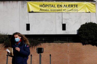 """Situação da Covid-19 é """"preocupante"""" em 10 departamentos da França, diz governo"""